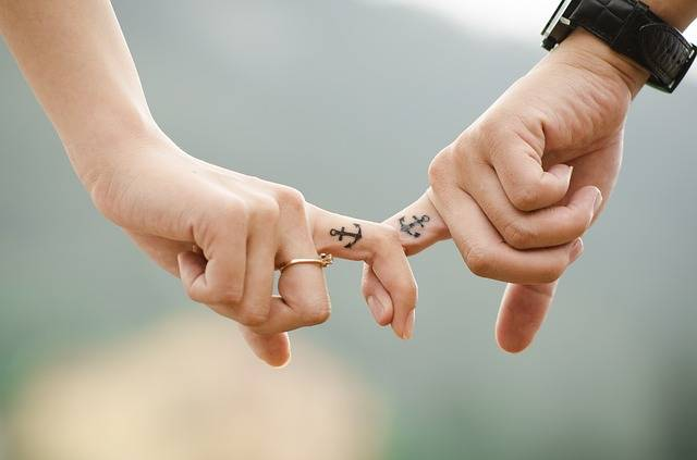 Hands Love Couple - Free photo on Pixabay (535290)
