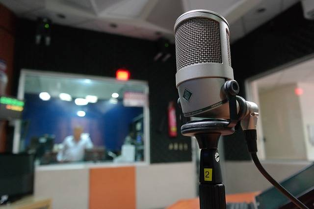 Microphone I Am A Student Radio - Free photo on Pixabay (542000)