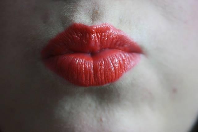 Kiss Festive Lipstick - Free photo on Pixabay (566877)