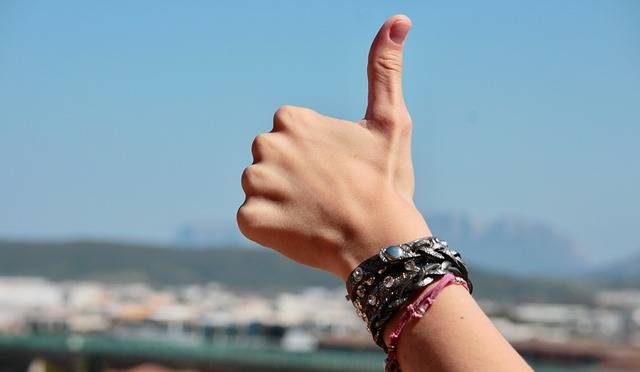 Hands Fingers Positive - Free photo on Pixabay (575373)