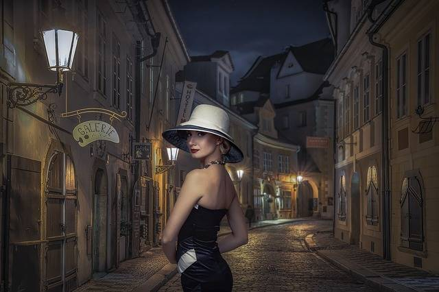 Prague Lady - Free image on Pixabay (593491)