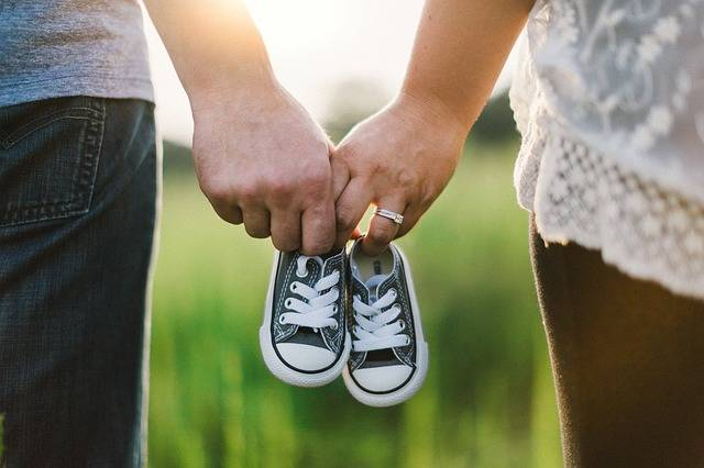 Holding Hands Shoes Little - Free photo on Pixabay (599123)