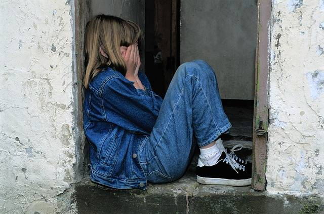 Child Sitting Jeans In The Door - Free photo on Pixabay (681913)