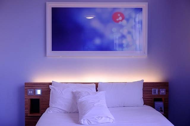 Bedroom Hotel Room White - Free photo on Pixabay (705981)