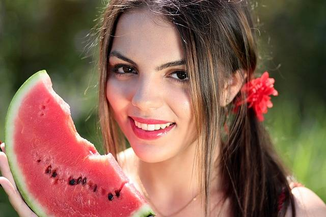 Girl Melon Red - Free photo on Pixabay (710143)