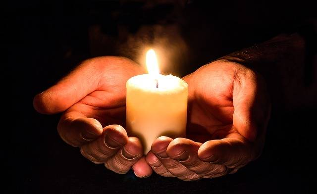 Hands Open Candle - Free photo on Pixabay (721965)