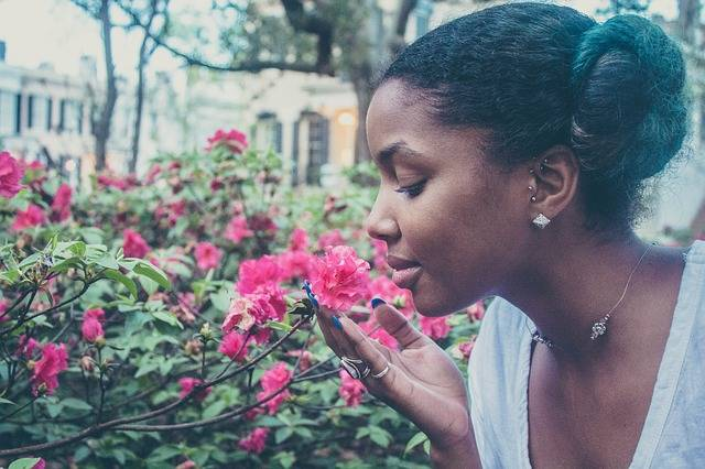 Flower Woman Smelling - Free photo on Pixabay (729769)